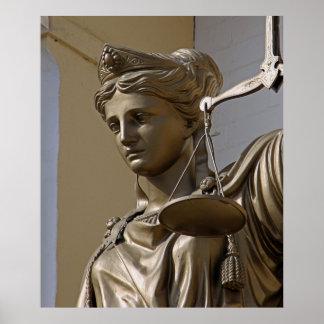 Señora Justice Statue Póster