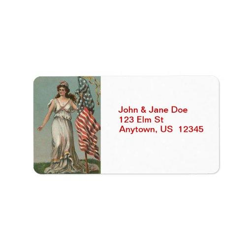 Señora Liberty con las etiquetas de dirección del