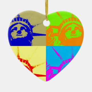 Señora Liberty del arte pop de 4 colores Adorno Navideño De Cerámica En Forma De Corazón