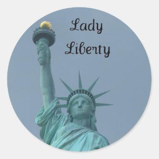 Señora Liberty Pegatina Redonda
