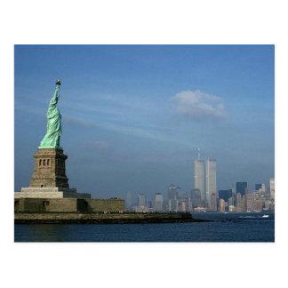 Señora Liberty y World Trade Center NYC de las tor Tarjeta Postal