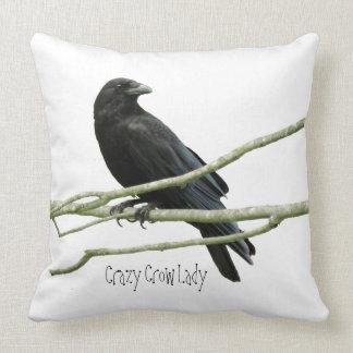 Señora loca Accent Pillow del cuervo Almohada