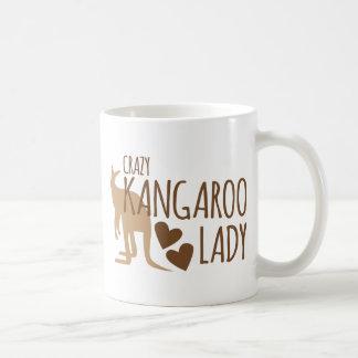 Señora loca del canguro taza de café