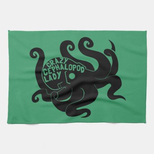 Señora loca del cefalópodo toalla de mano