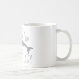 Señora loca del delfín taza clásica