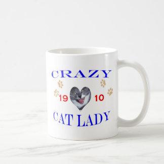 Señora loca del gato 1910 taza