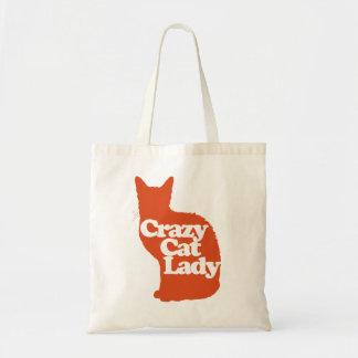 Señora loca del gato bolsa