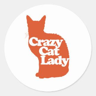 Señora loca del gato etiqueta redonda