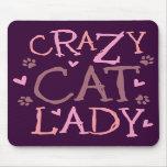 Señora loca del gato tapete de ratón