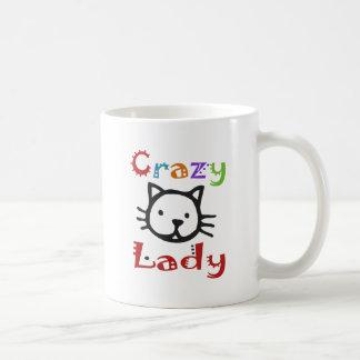 Señora loca del gato taza básica blanca