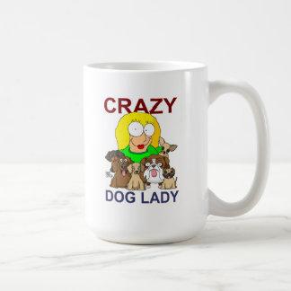 Señora loca del perro taza de café