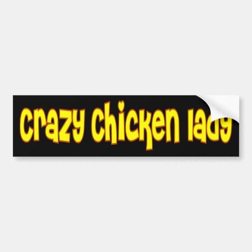Señora loca del pollo etiqueta de parachoque