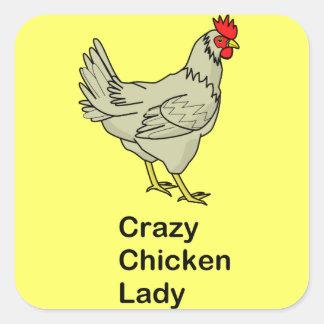 Señora loca del pollo calcomanías cuadradas