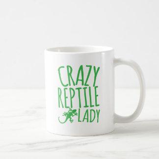 señora loca del reptil taza clásica