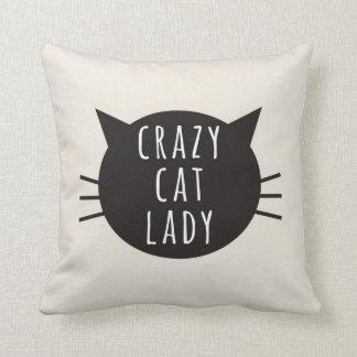 Señora loca Funny Pillow Ivory del gato Cojín Decorativo