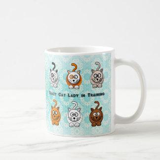 Señora loca In Training Mug del gato Tazas De Café