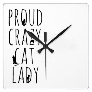 Señora loca orgullosa del gato relojes