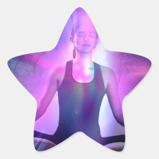 señora meditating de la yogui en colores del añil pegatina en forma de estrella