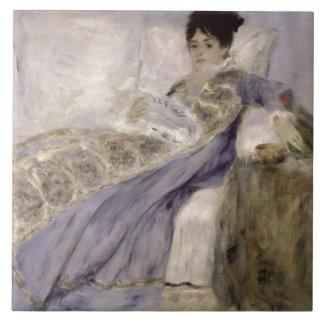 Señora Monet en un sofá, c.1874 (aceite en lona) Azulejo Cuadrado Grande