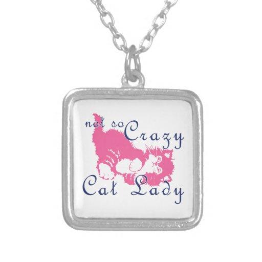 Señora no tan loca Pink del gato Colgante Cuadrado