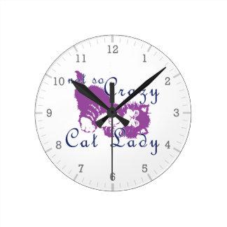 Señora no tan loca Purple del gato Relojes De Pared