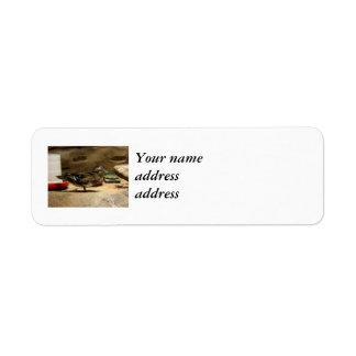 Señora pato de madera etiqueta de remitente