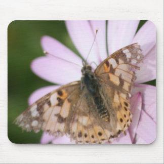 Señora pintada Butterfly en la flor rosada Tapete De Ratón