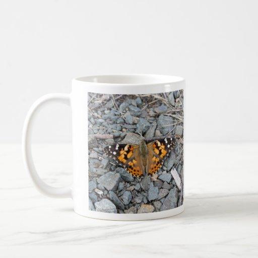 Señora pintada tazas de café