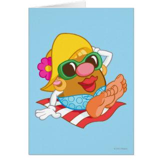 Señora Potato Head Sunbathing Tarjeta De Felicitación
