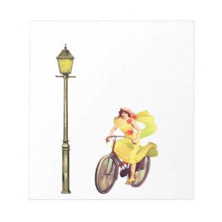 señora Riding Bike de los años 20 Bloc De Notas