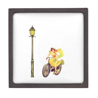 señora Riding Bike de los años 20 Cajas De Regalo De Calidad