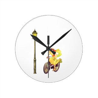 señora Riding Bike de los años 20 Relojes De Pared