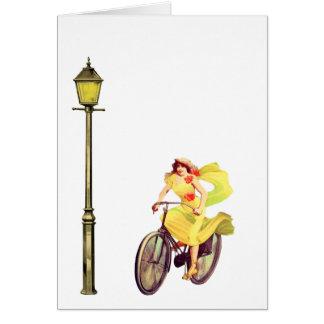 señora Riding Bike de los años 20 Tarjetas