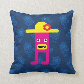 Señora rosada, gorra amarillo almohadas