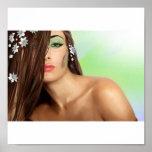 Señora sensual con los ojos verdes poster