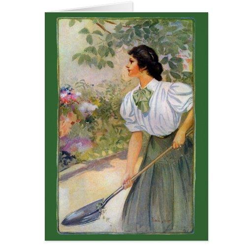Señora Shoveling Dirt en cama de flor Tarjeta De Felicitación
