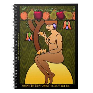 Señora Sitting el Sun debajo de un árbol de la Libro De Apuntes Con Espiral