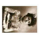 Señora tatuada con el circo del vintage de la post postal