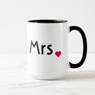 Señora taza con el corazón rojo del amor