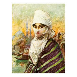 Señora turca en traje tradicional postal