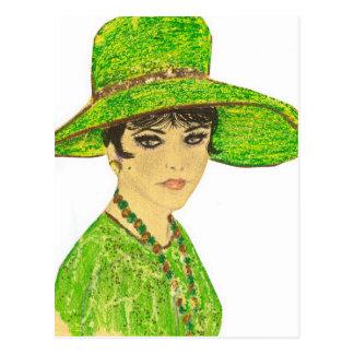 Señora vibrante en verde postales