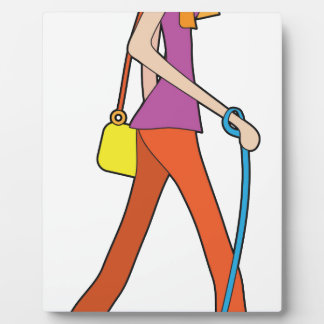 Señora Walking Puppy Placa De Madera