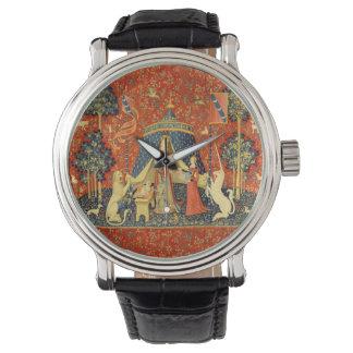 Señora y el arte medieval de la tapicería del relojes de pulsera