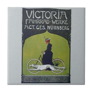 Señora y perro de la bicicleta del vintage azulejo cuadrado pequeño