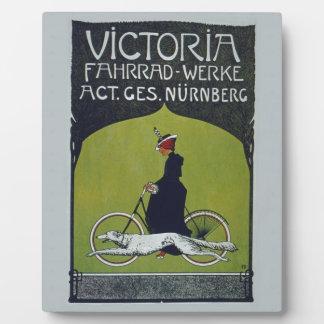 Señora y perro de la bicicleta del vintage placas de plastico