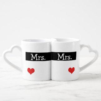 Señora y señora Newly Wednesday Heart Wedding Tazas Para Parejas