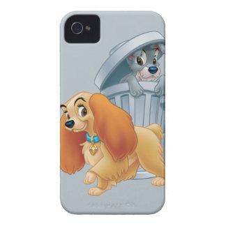 Señora y vagabundo en la basura iPhone 4 Case-Mate carcasa