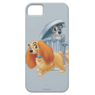 Señora y vagabundo en la basura iPhone 5 carcasas