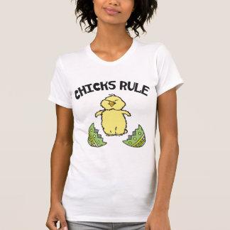 Señoras de la regla de los polluelos de Pascua Camisetas