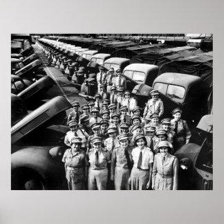 Señoras del camión WW2 los años 40 Poster